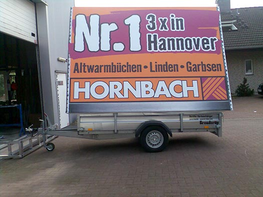 hornbach transporter oei politie in de zwolse voorstraat gespot en dit is waarom with hornbach. Black Bedroom Furniture Sets. Home Design Ideas